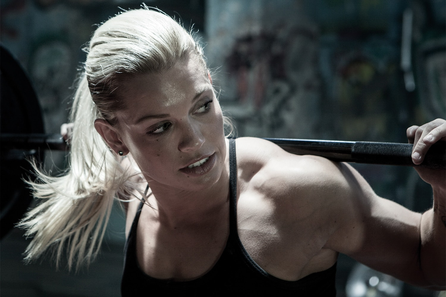 Athlete-female-lifting-weights-crossfit-Rod-McLean